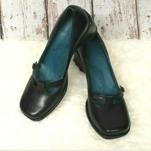 Kenneth Cole Take A Break Black Leather Mary Janes